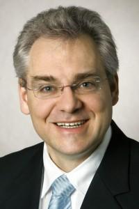 Dr. Eric Klemp, Geschäftsführer des Direct Manufacturing Research Center (DMRC) der Universität Paderborn